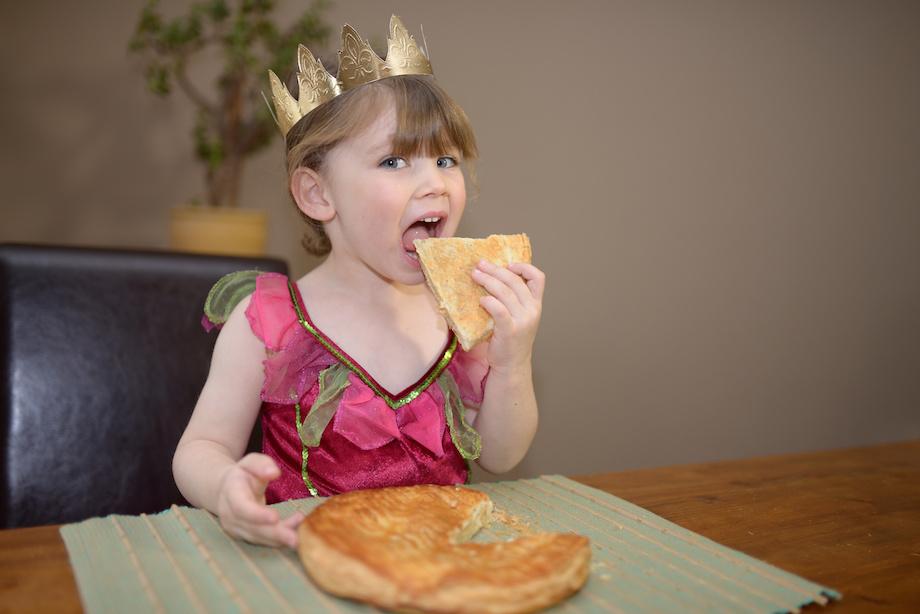 repas-moyen-age-enfant